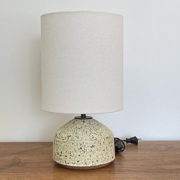 Agnes Lamp in Mottled Cream