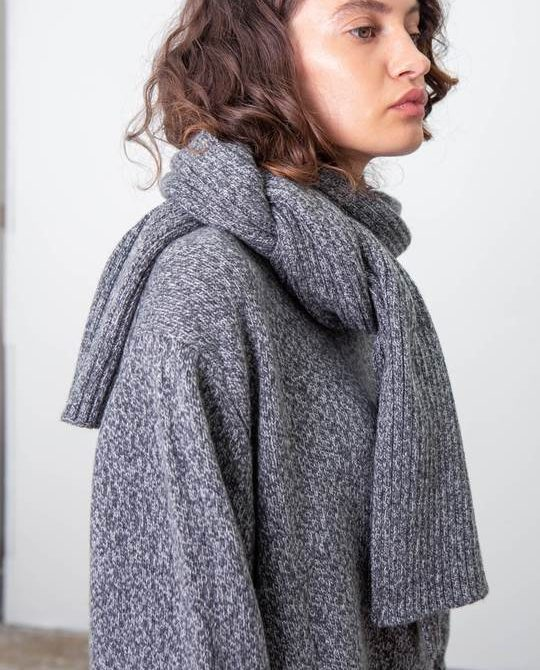Recycled Cashmere Scarf – Charcoal