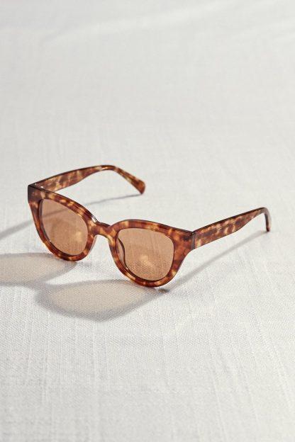 Barton Cat Eye Sunglasses (Amber Sandstorm) – Accessories – Amour Vert