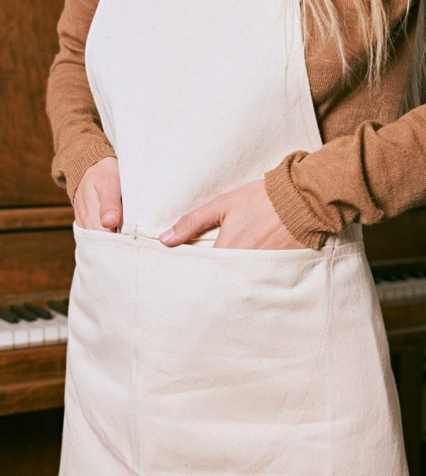 Apron in Undyed Organic Cotton Twill