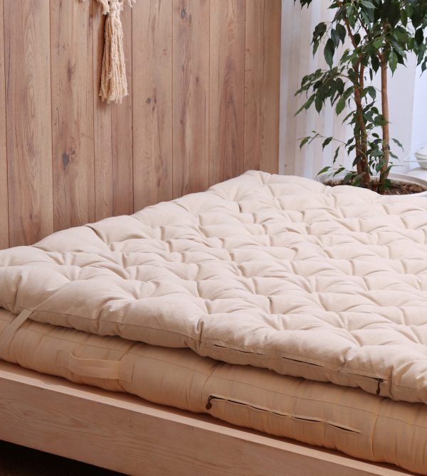 Wool Mattress Topper with Stitched Fabric